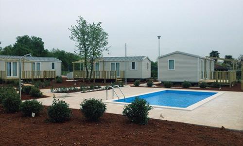 piscine semi privative 1