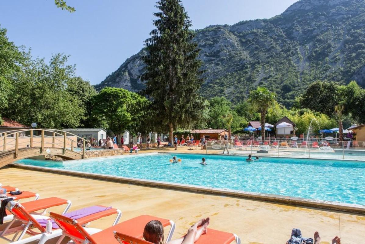 Camping piscine le Pré Lombard