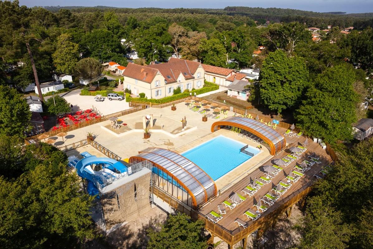Les plus beaux campings avec piscine et parc aquatique en for Camping dans les landes avec piscine