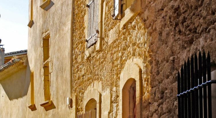 Ruelle village de Provence